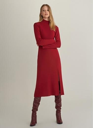 NGSTYLE Yırtmaç Detaylı Triko Elbise Bordo